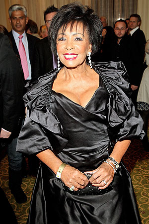 shirleybassey-gal-qawards.jpg