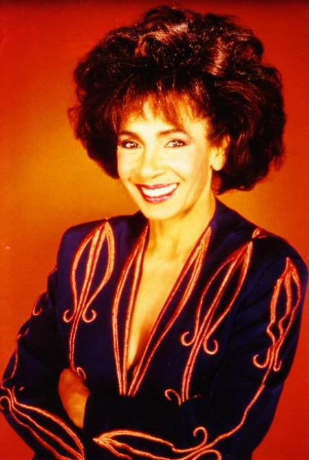 """Shirley Bassey - Photo taken at the time of """"La Mujer"""""""