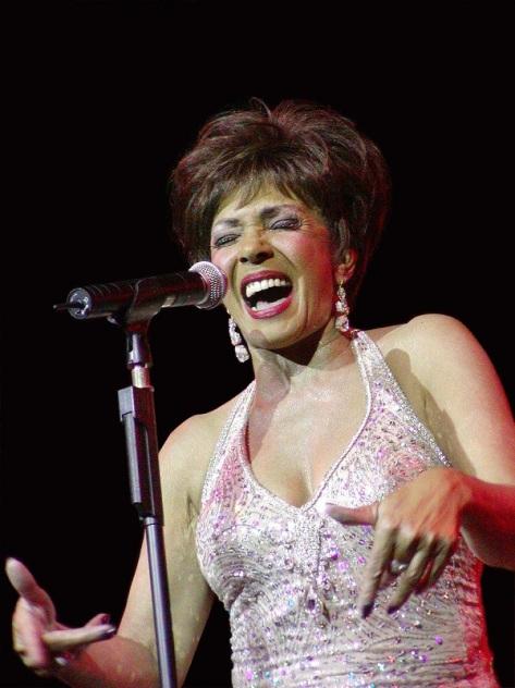 Shirley Juni 2002