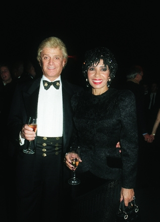 PARTY FOR THE PREMIERE OF 'TOMORROW NEVER DIES' IN GB