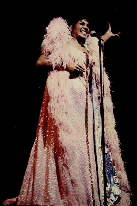 Shirley Bassey Live In Japan