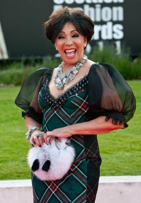 Dame+Shirley+Bassey+2011+Scottish+Fashion+dCLSI-qjh4zl
