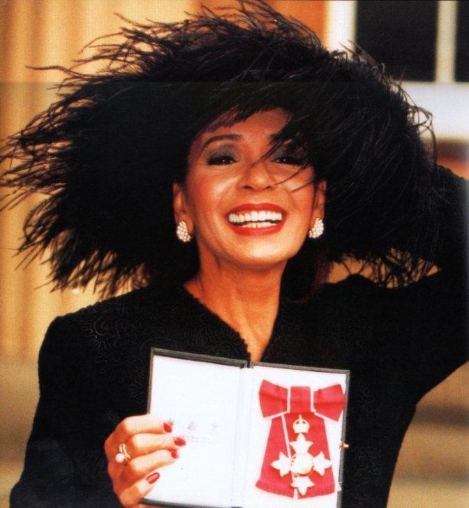 Shirley Bassey CBE -1994-