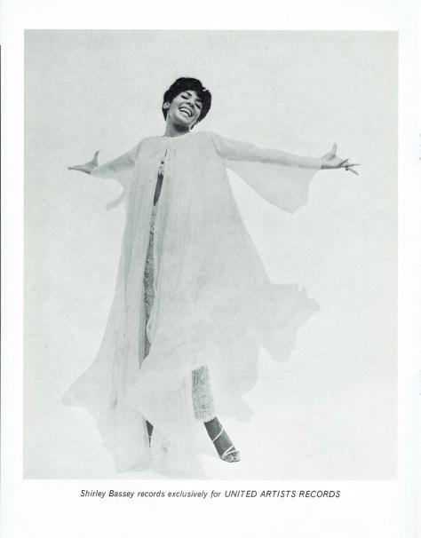 SB - 1966 Prince of Wales souvenir programme 8 - UK